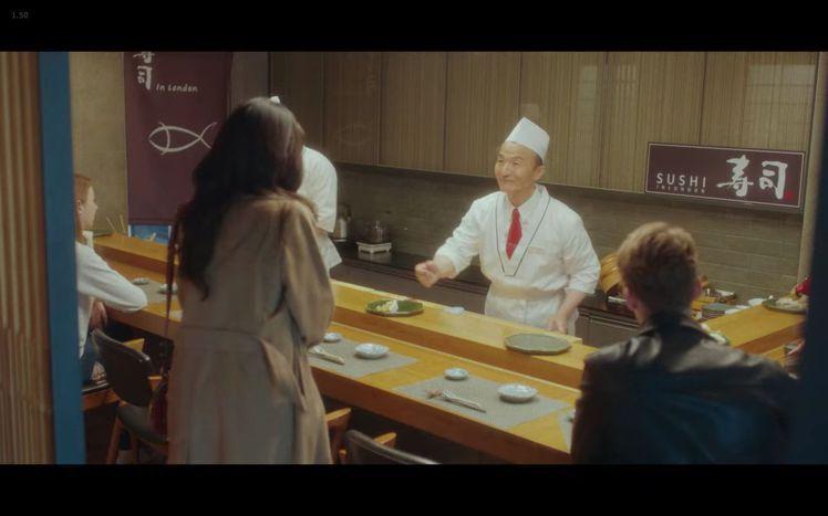 李寶英在韓劇《我的上流世界》第二集以Chloé Daria咖啡色小型肩背提包配襯...