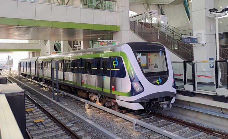 因應高鐵明天提早收班,中捷綠線今天起取消高鐵台中站0時15分的加班車,6月起也調整全線營運班距2周。圖/中捷提供