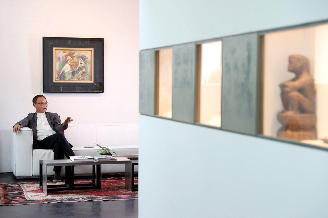 林憲能四十五歲時動念創立藝文空間,隨後打造出「前後象」。攝影/余承翰