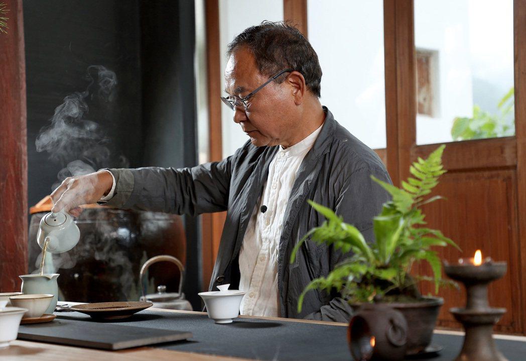 林憲能對待喝茶,嚴謹卻不拘束。攝影/余承翰