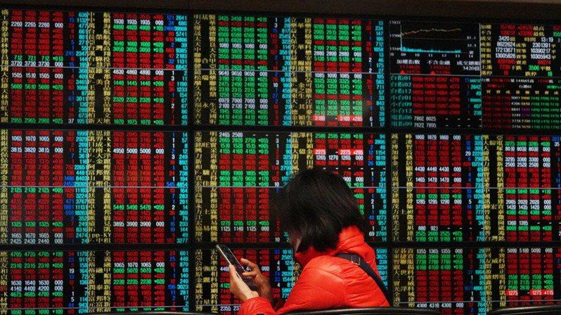 台股今(31)日收17,068.43點作收,三大法人買超159.55億元,外資買超131.31億元。圖/本報系資料庫