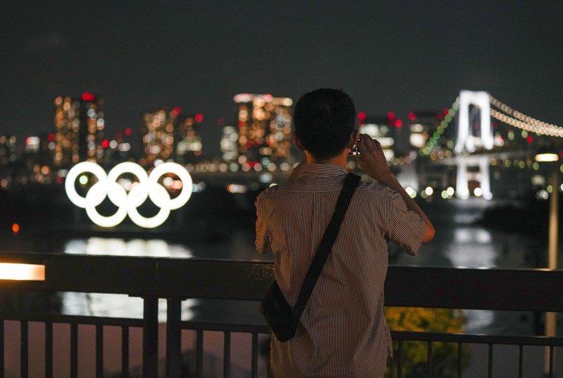 日本全國醫師工會(dr-union)代表、醫師植山直人今天示警,如果東京奧運及帕運如期開辦的話,令人憂慮可能會出現發源東京的「東奧變異病毒株」,應該停辦東奧。 歐新社