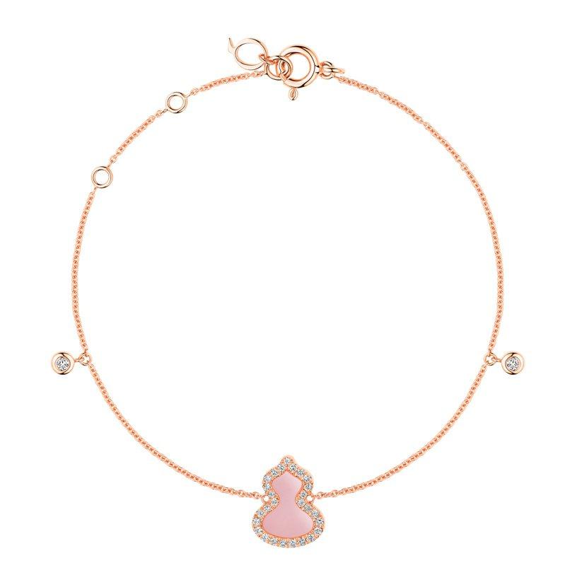 Qeelin Petite Wulu 18K玫瑰金鑲鑽粉紅蛋白石手鍊,價格店洽。圖 / Qeelin提供。