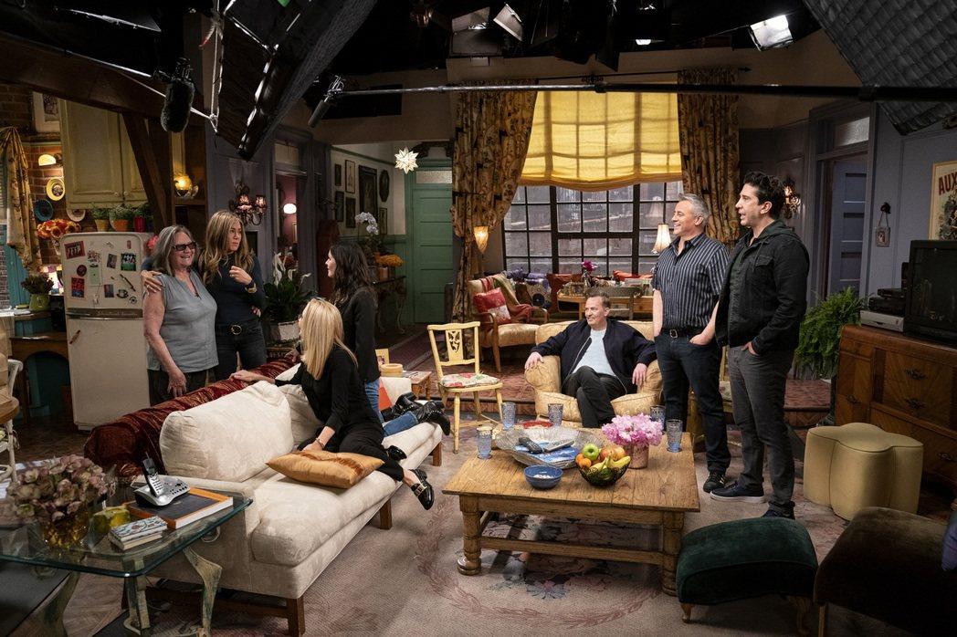 「六人行:當我們又在一起」相隔17年再度合體,讓許多影迷感動。圖/HBO MAX