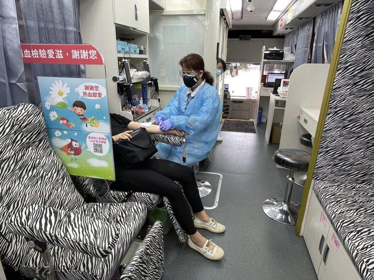 新竹捐血中心整體血庫存量有4天多,仍希望大家挽袖捐血。記者張裕珍/攝影