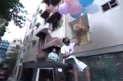 網紅行業興起之後創造不少商機,卻也經常傳出有網紅為了點閱率做出脫序行徑,近日一名印度網紅Gaurav Sharma就因為把博美犬綁在氣球上放飛,最終遭到逮捕。32歲的Gaurav Sharma是一名...