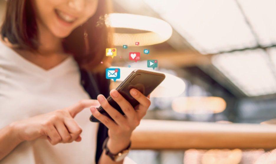 「繫」是維持社交聯繫,保持社交距離但不要與外界中斷距離,少出門,但可透過社群軟體...