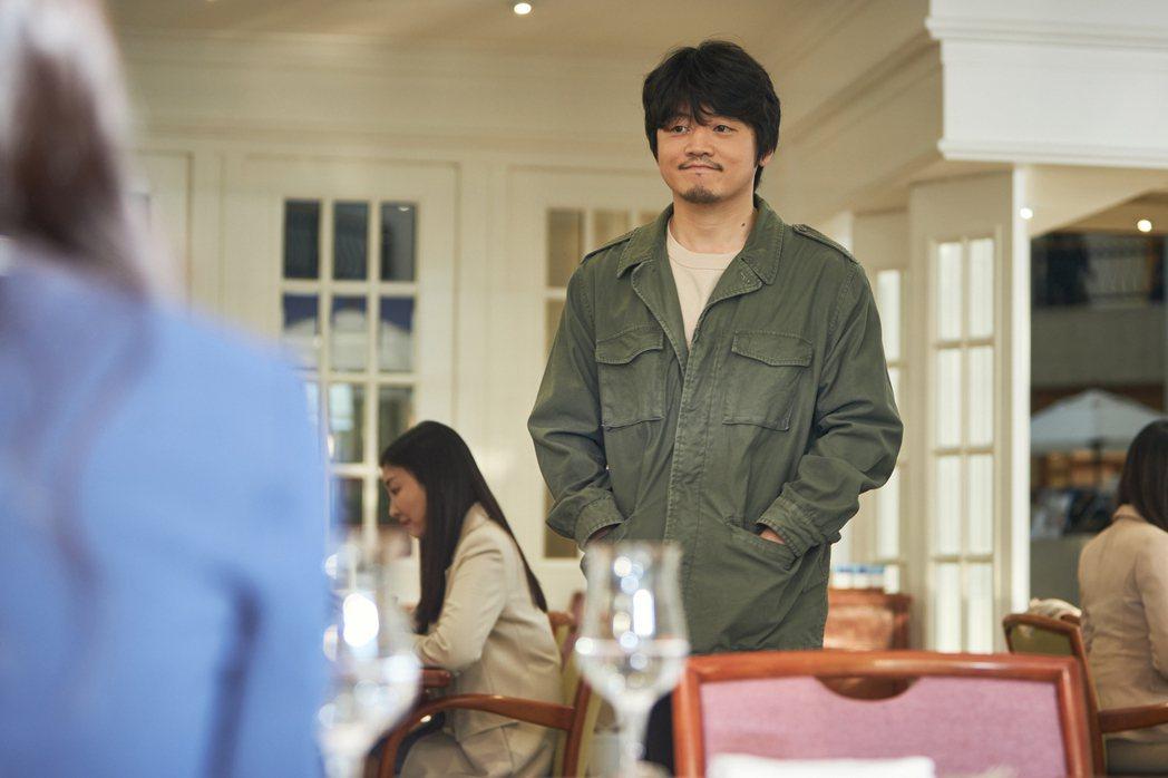 「如蝶翩翩」劇照,趙福來飾演德出的小兒子「沈聖官」。圖/Netflix提供
