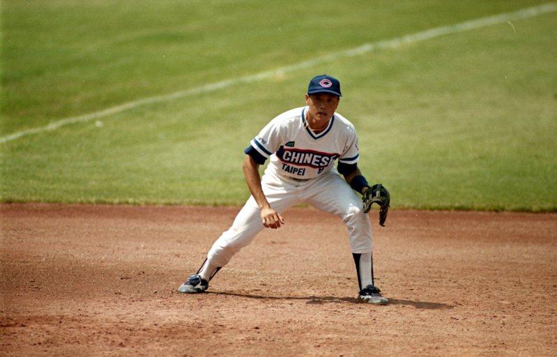 1992年巴塞隆納奧運中華棒球隊奪銀,吳思賢是當家第四棒,如今要率隊打5搶1搶東奧門票! 聯合報系資料照