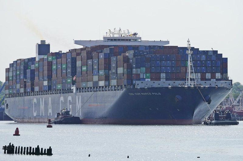 亚欧40呎货柜海运运价,突破1万美元。美联社(photo:UDN)