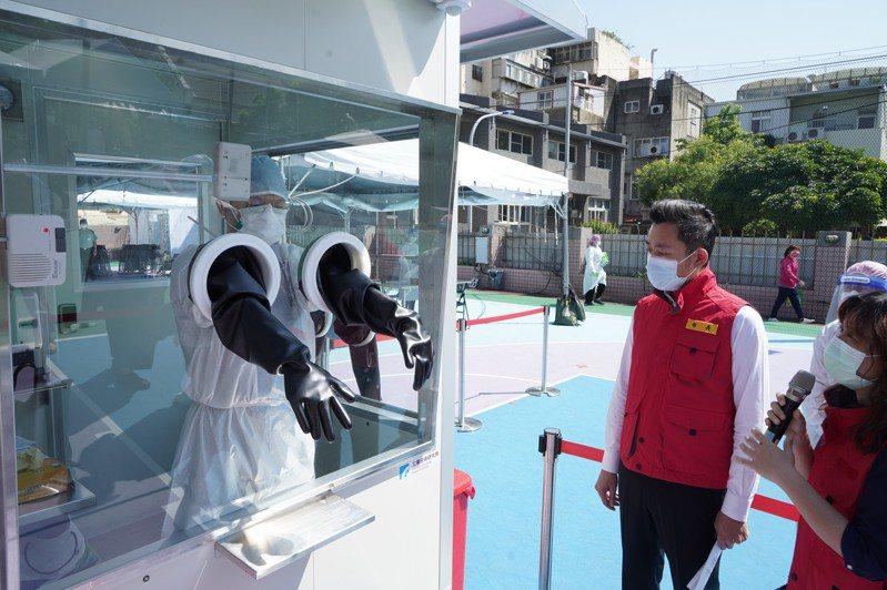 新竹市政府已在國軍新竹地區醫院設置1處社區篩檢站。圖/新竹市政府提供