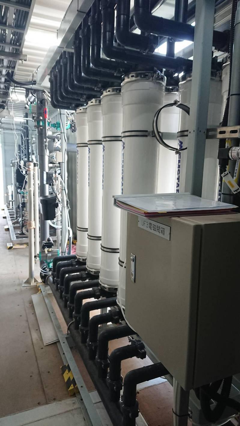 台中市政府水利局再完成5座RO級移動式淨水設備功能試車,6月投入產水行列。圖/台中市政府提供