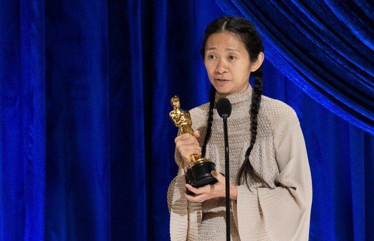 大陸導演趙婷執導電影「游牧人生」拿下奧斯卡最佳影片、最佳導演以及最佳女主角等三大...