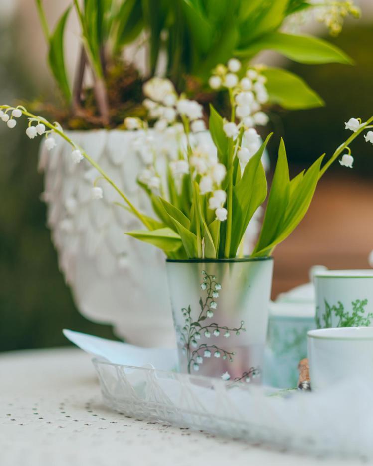 以白色、綠色為主的幽谷鈴蘭花系列。圖/DIOR提供