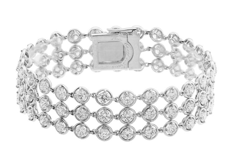 Palmyre手鍊,白K金鑲嵌鑽石,約329萬元。圖/梵克雅寶提供