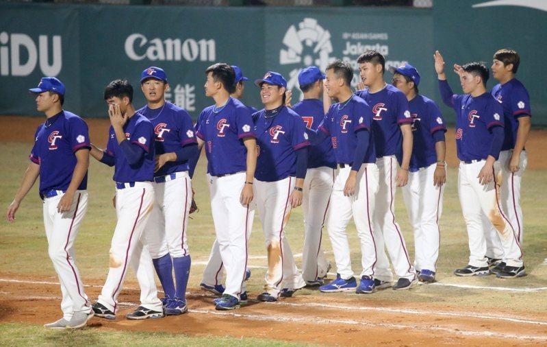 中華棒協接下組隊任務後,前天擬定36人名單,以業餘球員為班底,納入7名有旅美經歷的球員,逾8成回覆有意願參賽,但有約在身的旅美球員,還需徵詢所屬球團意願。 聯合報系資料照