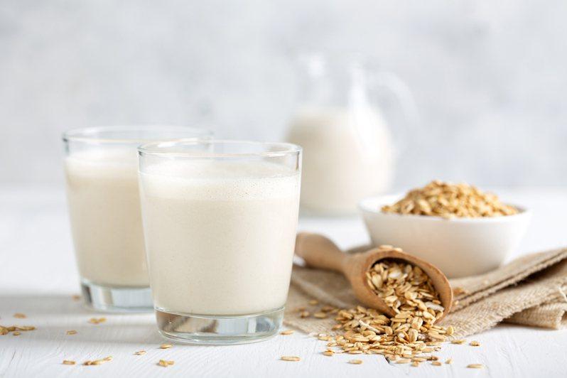 近來燕麥奶相當流行。 圖/ingimage