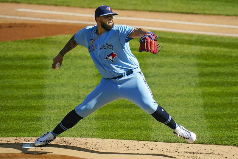 藍鳥新人投手馬諾亞(Alek Manoah)升上大聯盟,無緣披上美國隊戰袍。 美聯社。