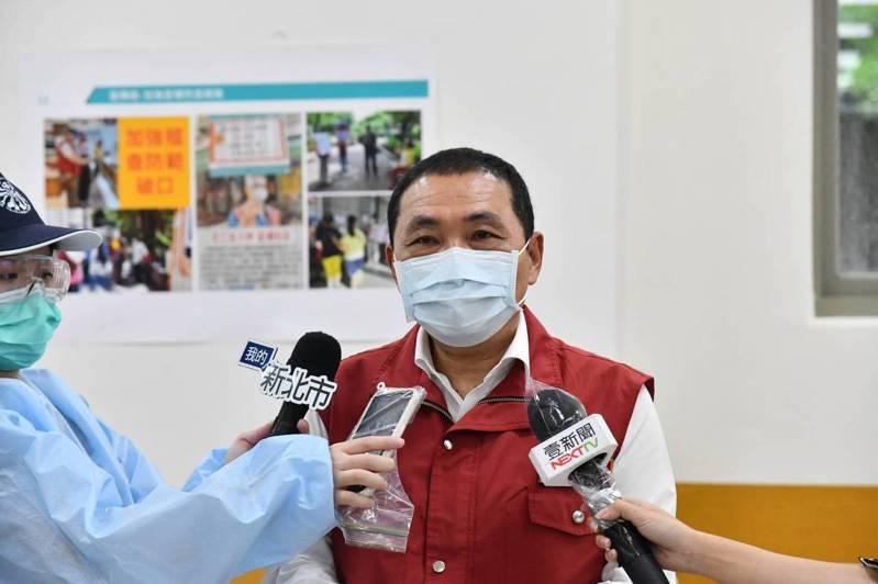 新北市長侯友宜今表示,新北的醫療量能真的非常的吃緊。圖/新北新聞局提供