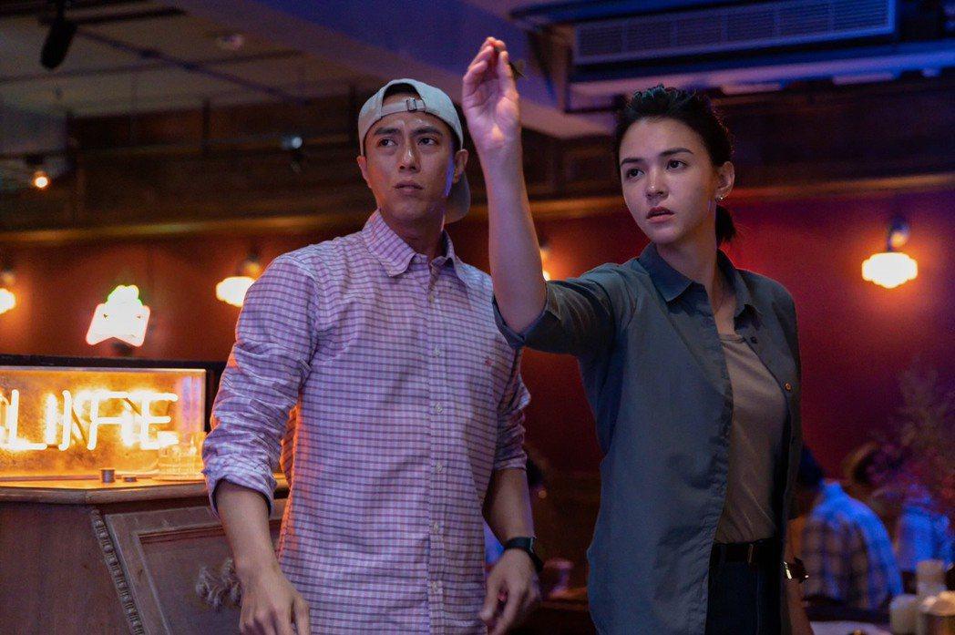張凱勛(左)和張榕容在犯罪懸疑動作台劇「第三佈局 塵沙惑」有精彩演出。圖/CAT...