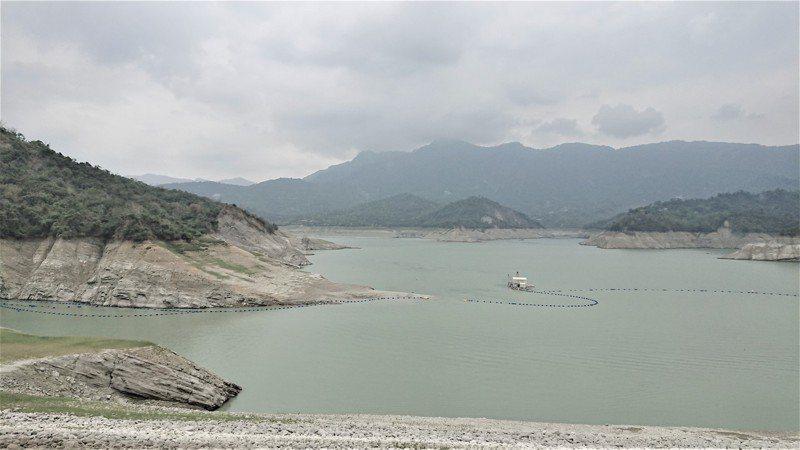 曾文水庫集水區今天累計雨量僅5毫米,無助蓄水。記者吳淑玲/攝影