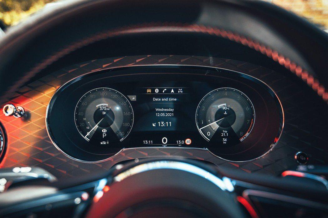 源自Bentayga Speed的全數位儀表板。 摘自Bentley