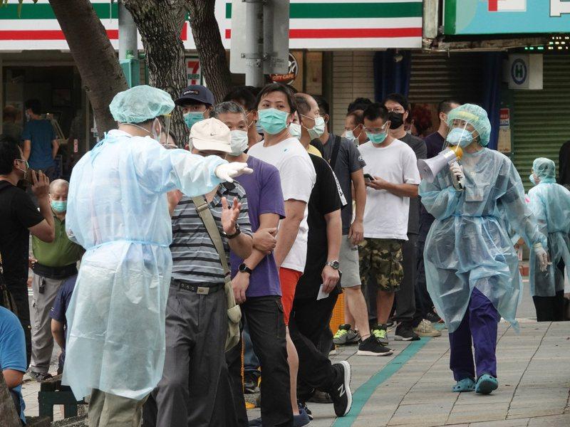 本土疫情爆發,全台都在搶打疫苗。記者邱德祥/攝影