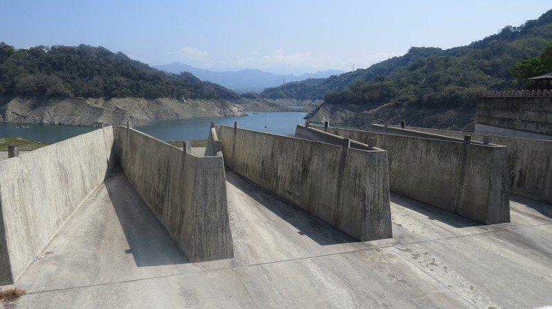 苗栗縣鯉魚潭水庫集水區昨天降下34毫米,紓解旱象有限。本報資料照片