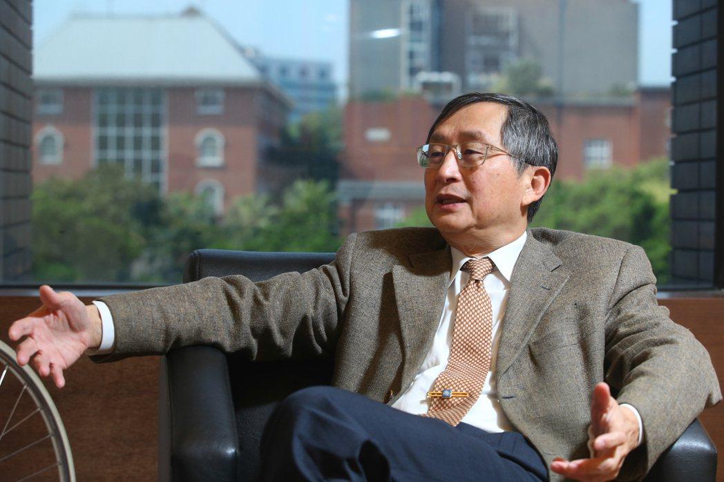 陽明大學校長、首任疾管局長張鴻仁。本報資料照片