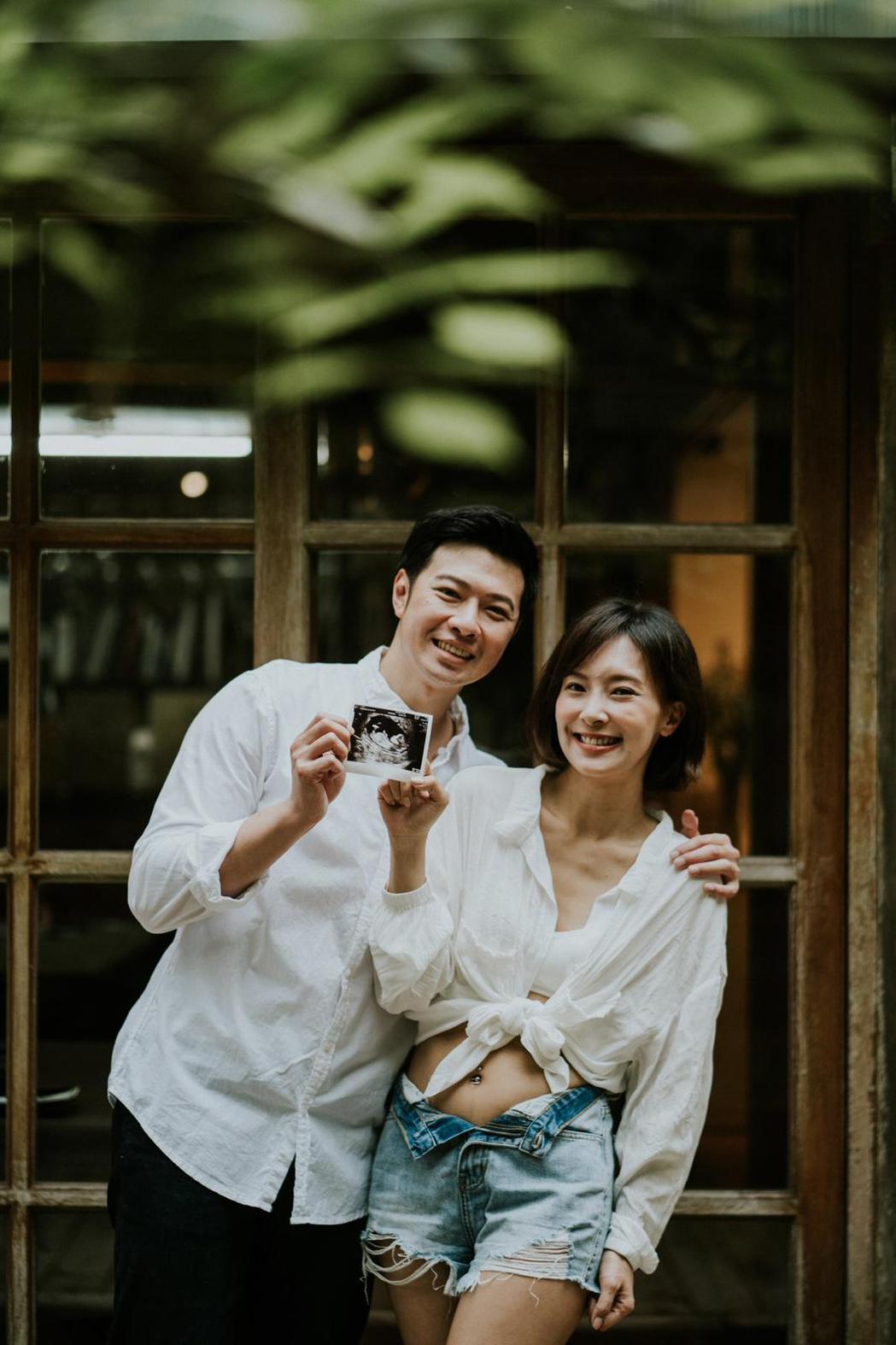 陳瑋薇與先生公開懷孕喜訊。圖/齊石提供