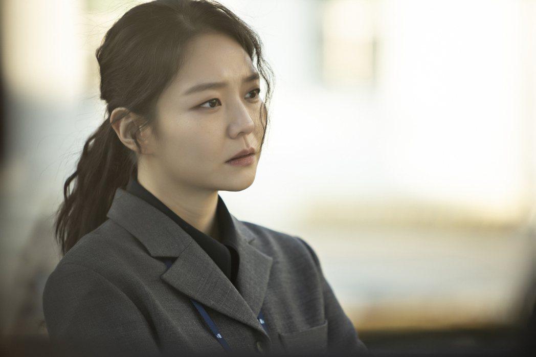 李絮飾演追尋正義的熱血檢察官。圖/friDay影音提供