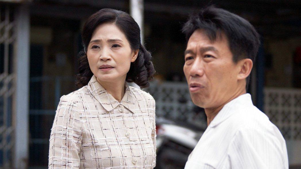 方季惟(左)與郭子乾在「觀音對我笑」中扮演夫妻。圖/大愛台提供