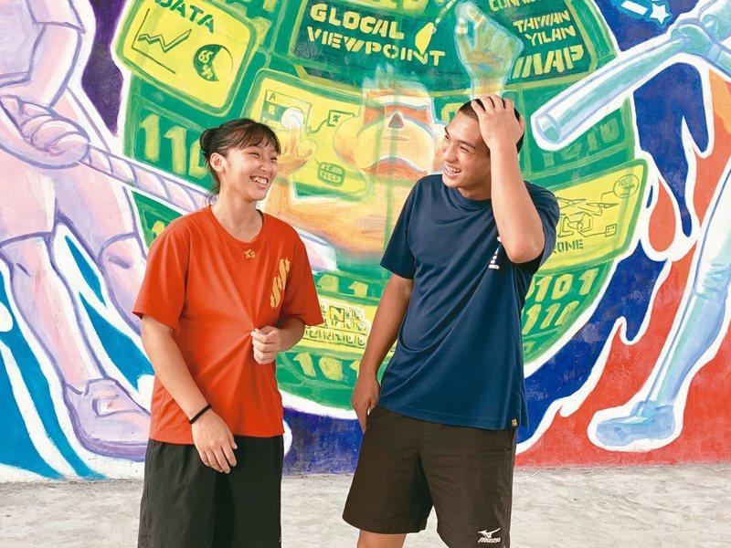 三星國中兄妹檔洪雋熙與洪甯暄,各自在棒球和拔河舞台發光發熱。記者林佳彣/攝影