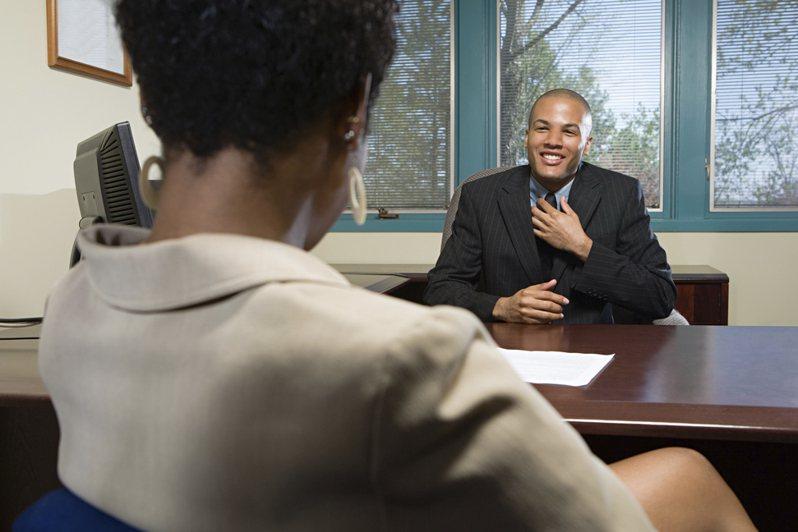 近日一名網友發文詢問求職時的預期薪水應該如何回答,貼文引起大量討論。圖片來源/ingimage