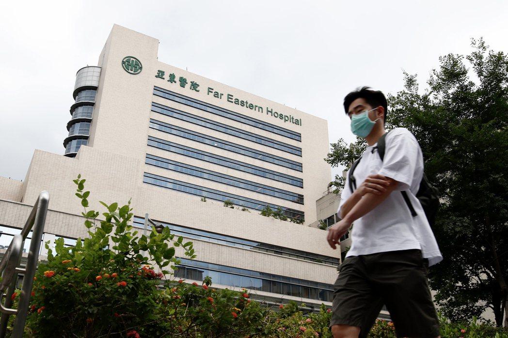 「我們都願所有的醫護人員能從這次疫情全身而退,也希望所有在醫院場域的工作者都能受到妥善的職場安全照護」。示意圖。 圖/歐新社