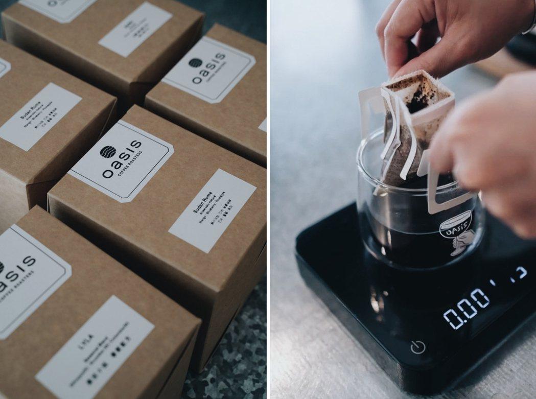 因應疫情,各家咖啡店的濾掛咖啡包選擇也變多,沖煮方式簡單好上手。 圖/(左)沈佩...