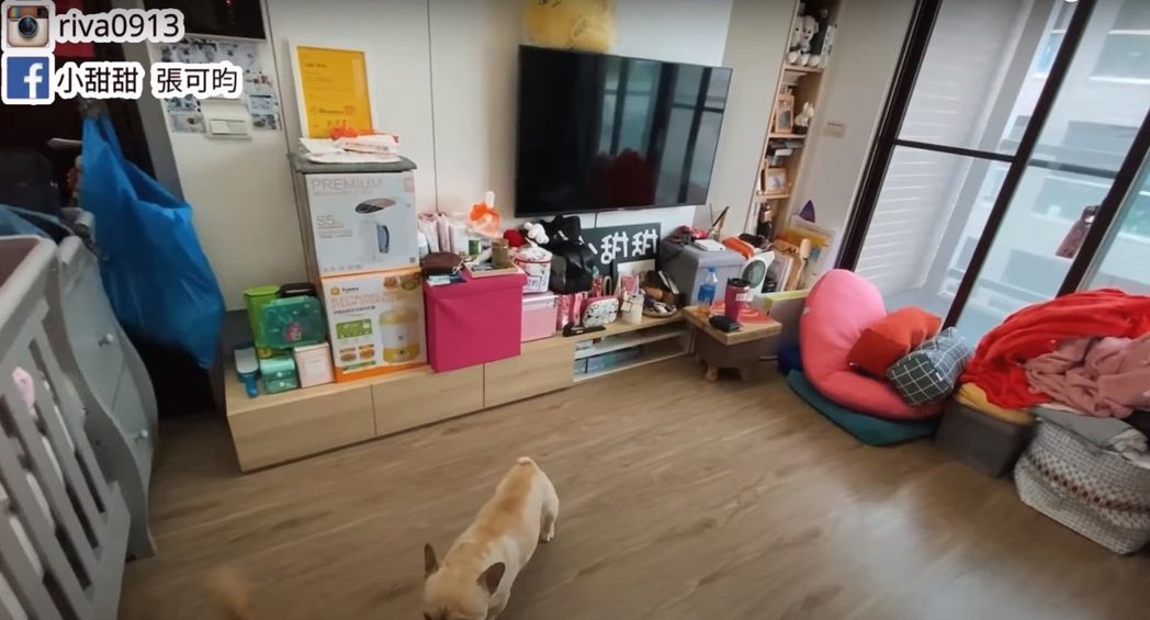 小甜甜老公居家防疫整理家庭環境。圖/擷自YouTube「甜甜媽我當Mother」