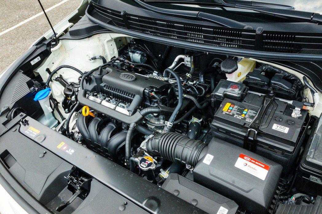 1.4升四缸自然進氣引擎最大馬力100ps最大扭力13.6kg-m。 記者趙駿宏...