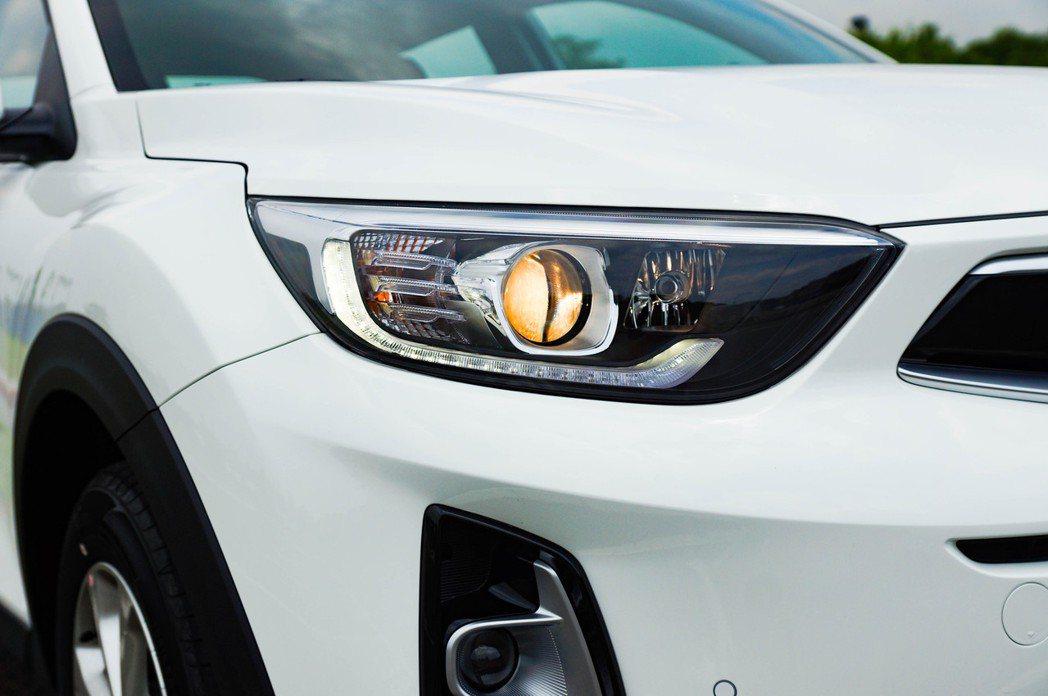 即使沒有Tiger Eyeline頭燈組,這組大燈的照明配備一樣也沒少。 記者趙...