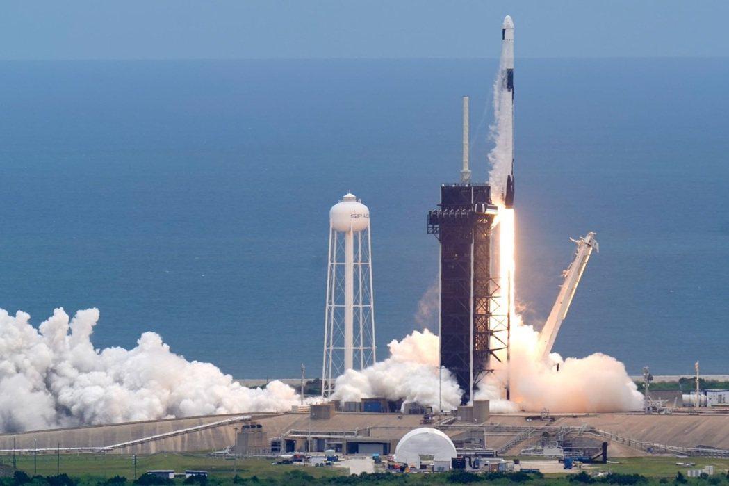 獵鷹9號最近一次出動是在今年6月3號,該任務目標主要為替ISS補給物資,另外也載...
