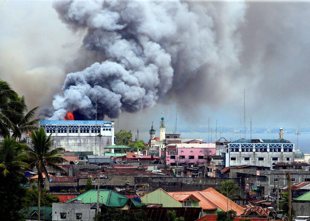 2017年的5月中下旬,位處菲律賓南部民答那峨島的馬拉韋市開始了長達五個月的武裝...