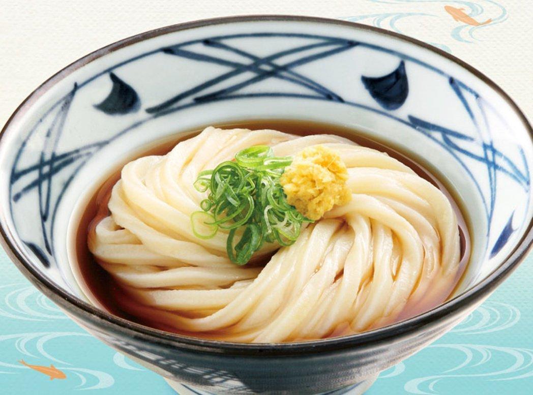 醬油烏龍麵(醤油うどん,shouyu udon)煮好的麵條先過冷水,使麵條更有彈...