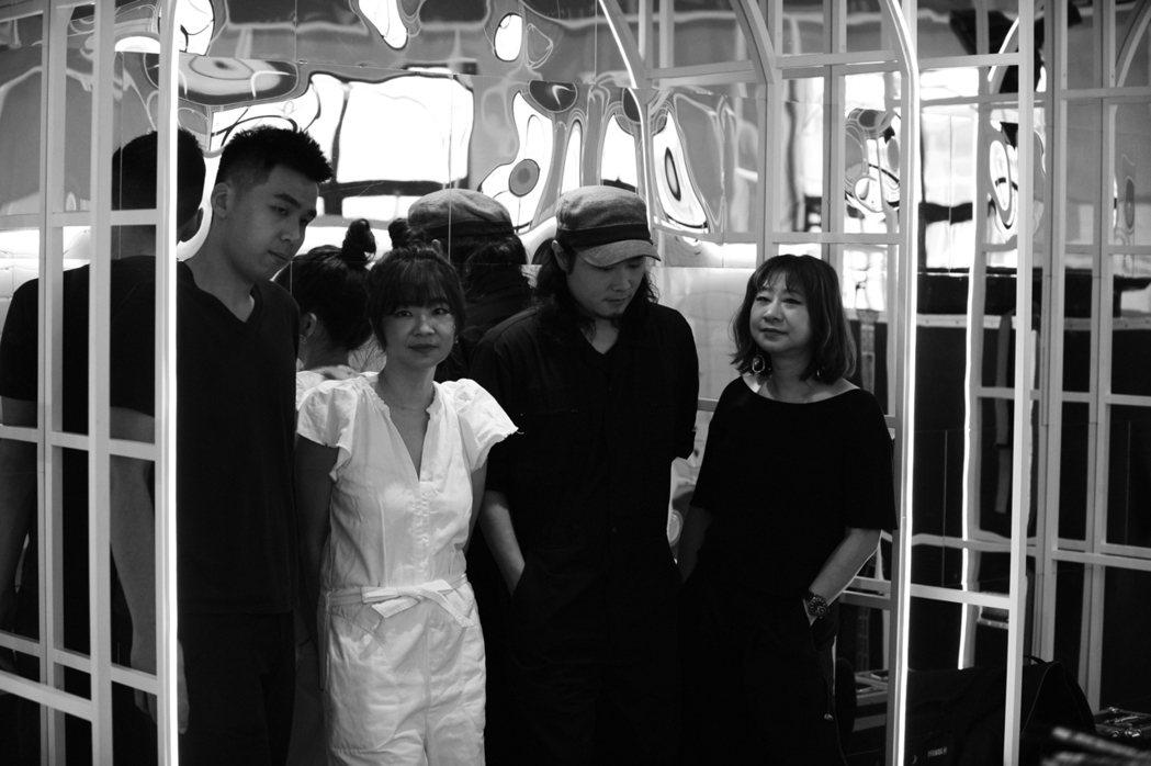 台灣樂團Go Go Machine Orchestra跑跑機器人結合當代、古典與...