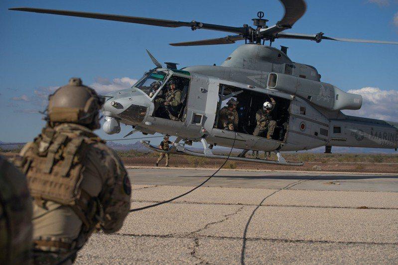美國海軍陸戰隊特種作戰司令部(MARSOC)今年首度派員來台,與我特戰部隊實施「專家交流」。圖/Marine Forces Special Operations Command臉書粉絲專頁
