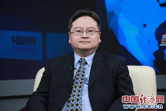 中銀證券全球首席經濟學家管濤表示,人民幣持續單邊升值可能給企業造成滙兌損失。(中國經濟網)