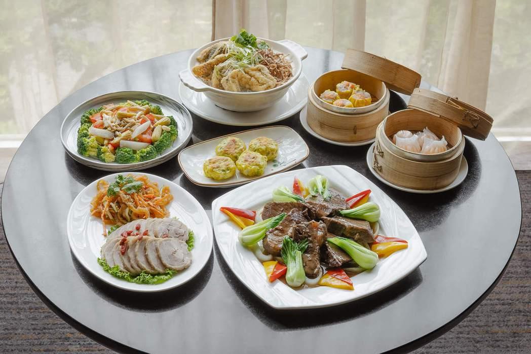新竹老爺酒店明宮廳4-5人闔家饗食組合餐。 業者/提供