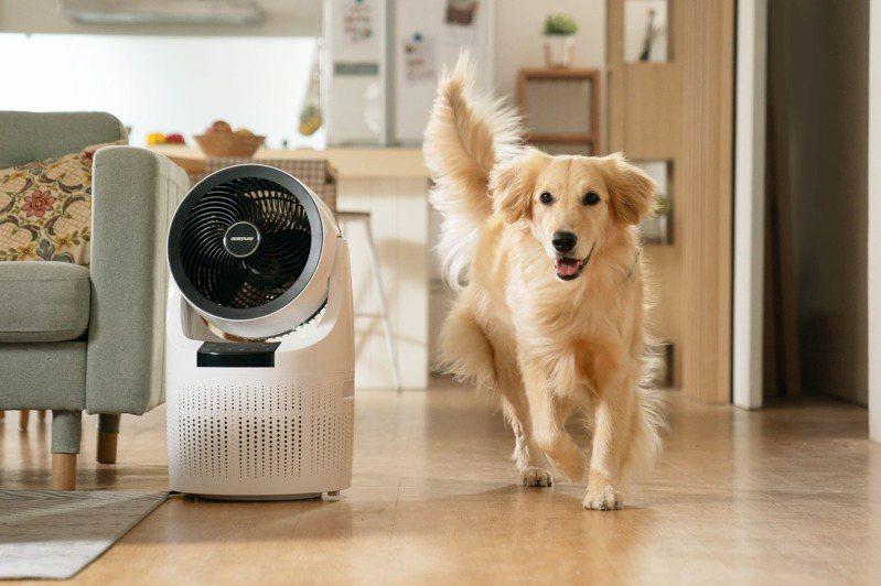 防疫警戒升級讓全民長時間待在家,維持室內的居家空氣品質成為刻不容緩的議題。圖/宏碁智新提供