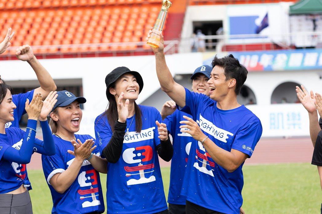 林敬倫助功藍隊拿下鐵餅勝利。圖/台視提供