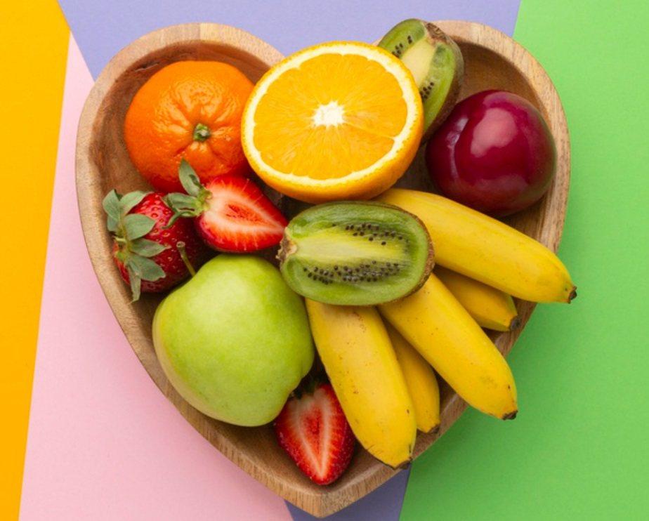 一個拳頭的蔬果約是一份,一碗則是2份,可藉此估算每天的攝取量。 圖/freepi...