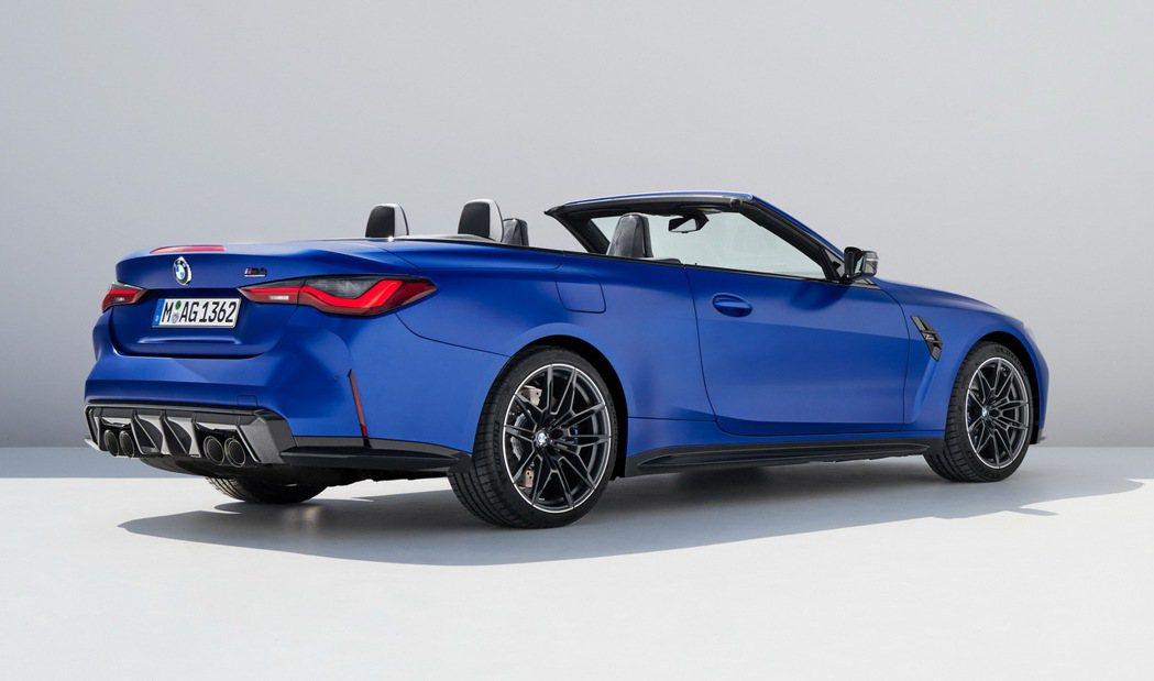 新世代BMW M4 Competition Convertible (G83)。...
